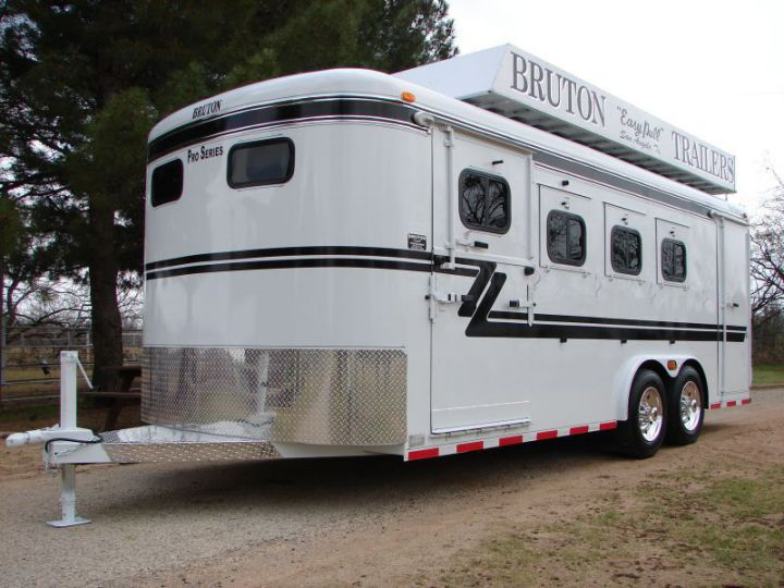 Specially Designed 4 Horse Bumper Pull Pro Series Bruton